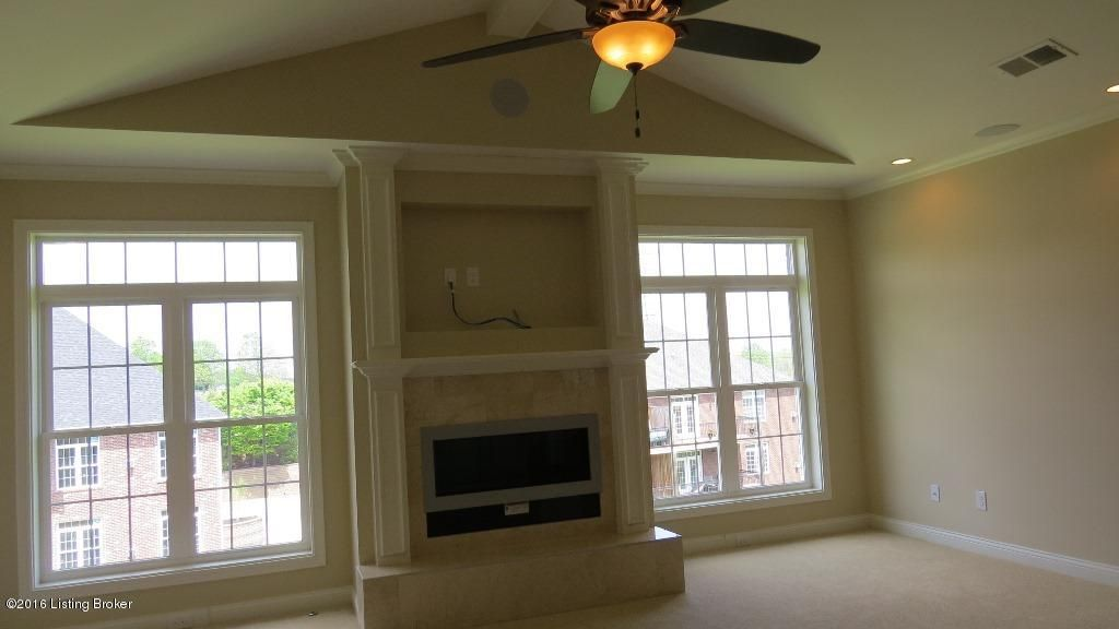 Additional photo for property listing at 15321 Royal Troon Avenue 15321 Royal Troon Avenue Louisville, Kentucky 40245 United States