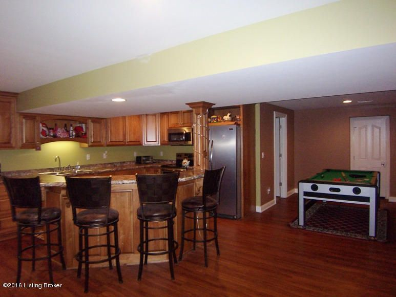 Additional photo for property listing at 208 Lorenza Circle  Bardstown, Kentucky 40004 United States