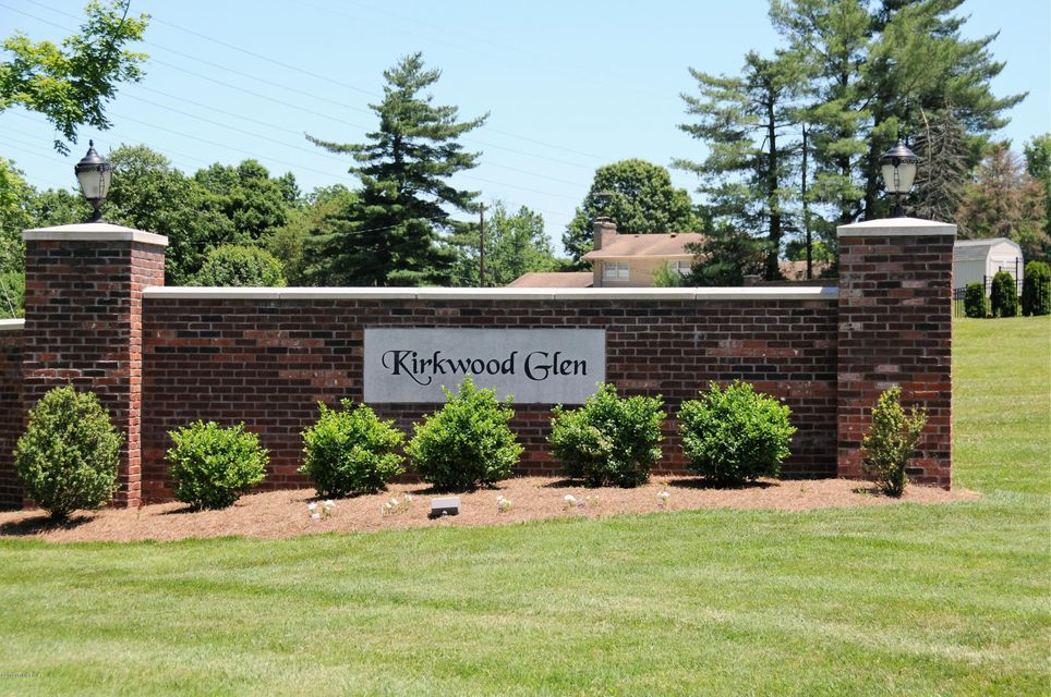Additional photo for property listing at 308 Kirkwood Glen  Louisville, Kentucky 40207 United States