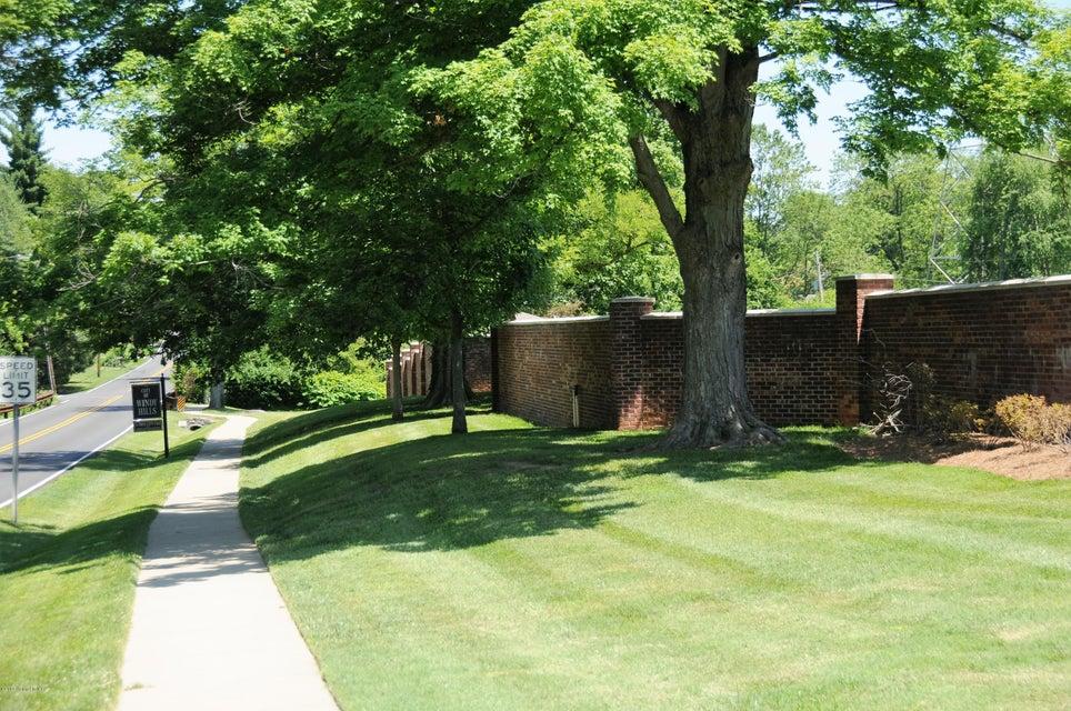 Additional photo for property listing at 308 Kirkwood Glen 308 Kirkwood Glen Louisville, Kentucky 40207 United States