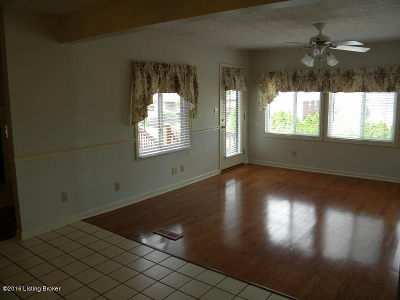 Additional photo for property listing at 1042 Devane Lane  Frankfort, Kentucky 40601 United States
