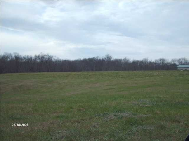 Additional photo for property listing at 10 Mt Eden 10 Mt Eden Waddy, Kentucky 40076 United States