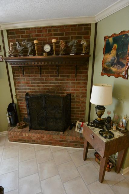 Additional photo for property listing at 205 Woodlawn Road  Bardstown, Kentucky 40004 United States