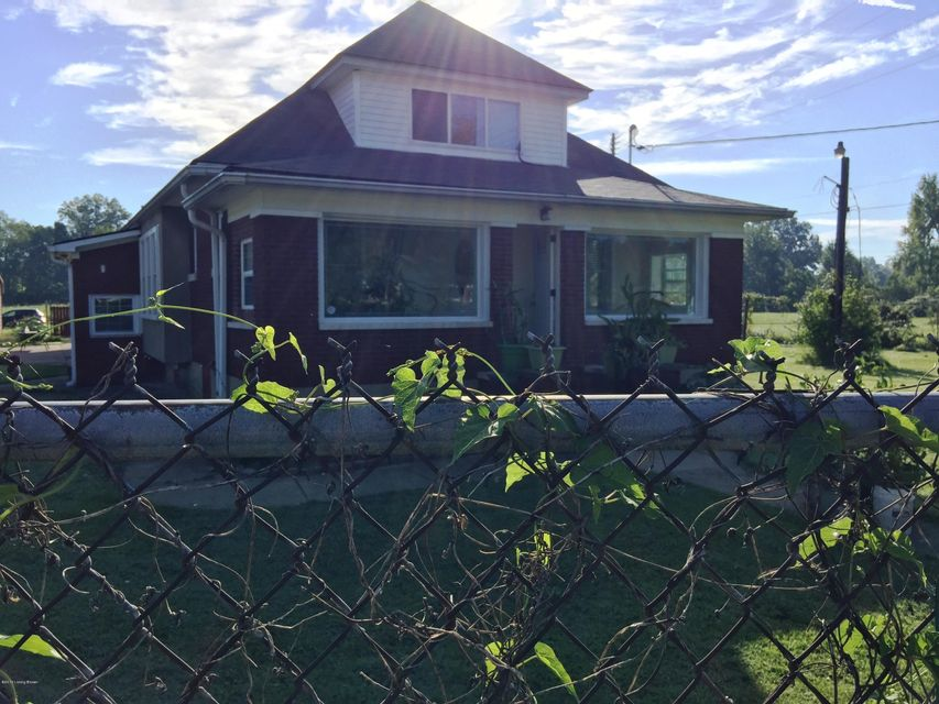 Single Family Home for Sale at 6105 Southside Drive Louisville, Kentucky 40214 United States
