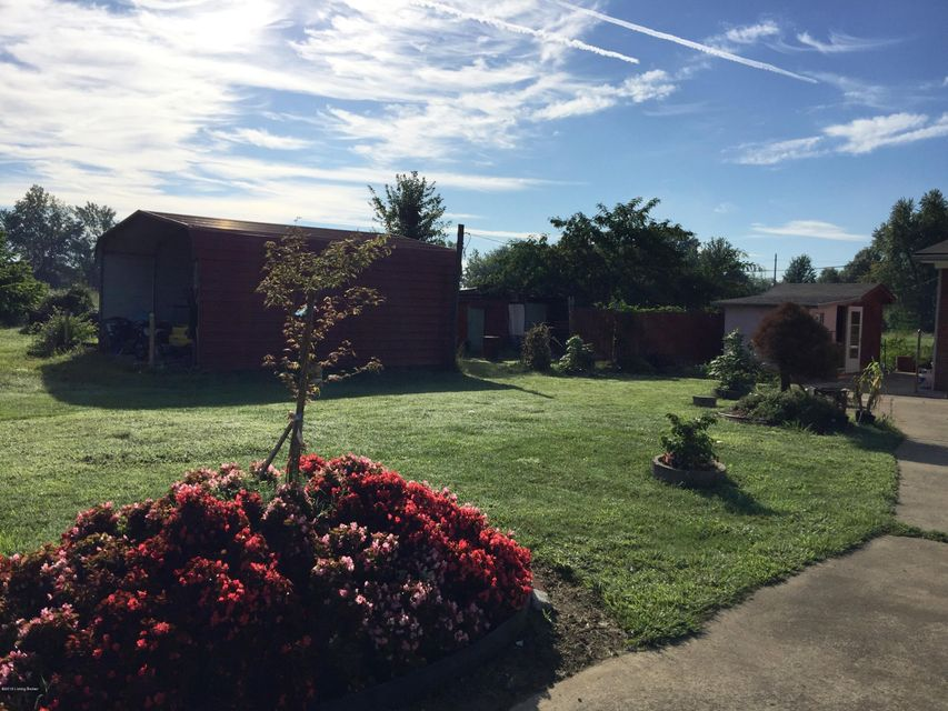Additional photo for property listing at 6105 Southside Drive  Louisville, Kentucky 40214 United States