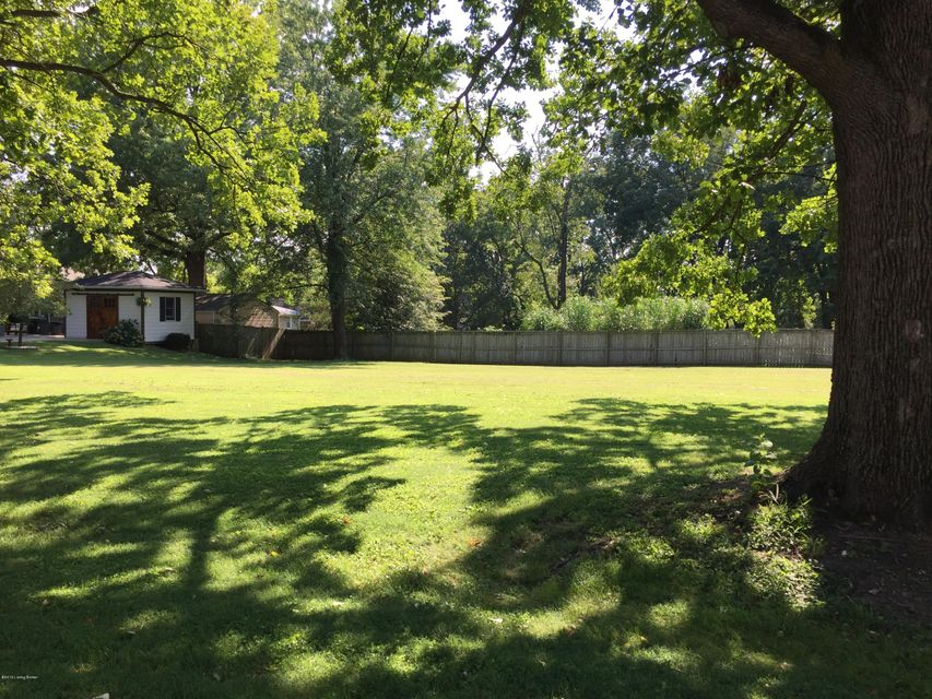 Additional photo for property listing at Lots 1 & 2 Lakeview  Louisville, Kentucky 40205 United States