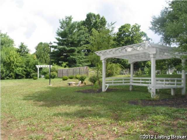 Additional photo for property listing at 1009 SILVER LEAF  Lawrenceburg, Kentucky 40342 United States
