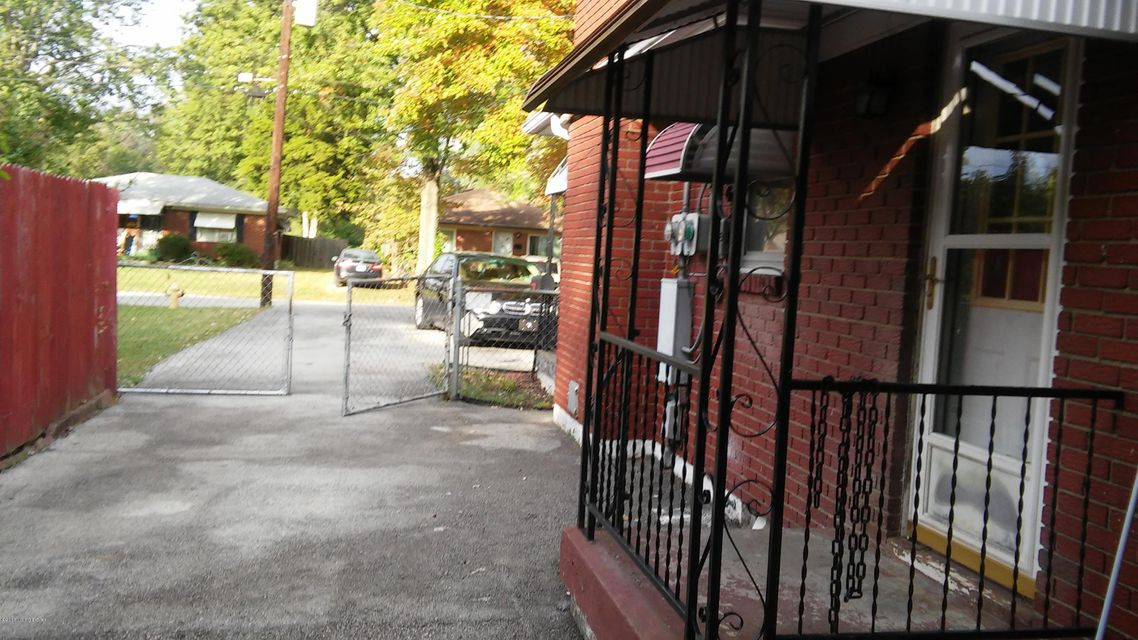 Additional photo for property listing at 3220 New Lynnview Drive  Louisville, Kentucky 40216 United States