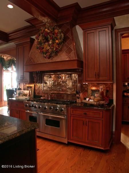Additional photo for property listing at 1915 Plum Hill Way  Floyds Knobs, Indiana 47119 United States