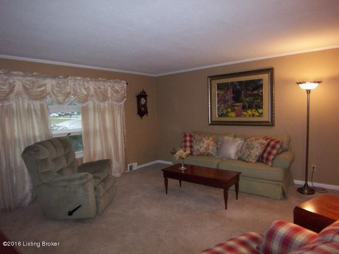 Additional photo for property listing at 531 Bloomfield Road  Bardstown, Kentucky 40004 United States