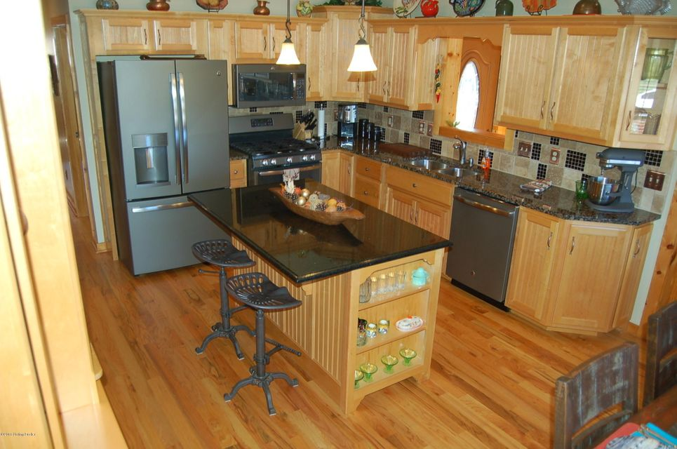 Additional photo for property listing at 253 Stony Point Circle  Lucas, Kentucky 42156 United States