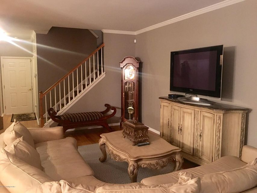 Additional photo for property listing at 4926 Merton Square  Louisville, Kentucky 40241 United States