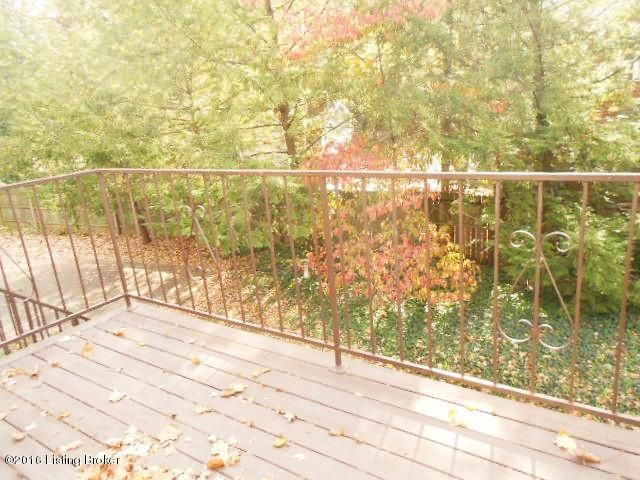 Additional photo for property listing at 3900 Brownsboro Road  Louisville, Kentucky 40207 United States