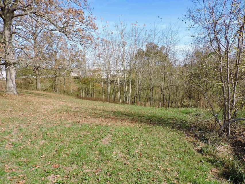 Additional photo for property listing at 1910 Hwy 79 1910 Hwy 79 Brandenburg, Kentucky 40108 United States