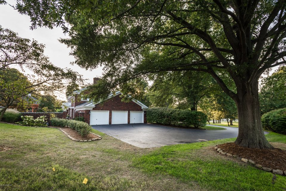 Additional photo for property listing at 4710 Charlestown Road  New Albany, Indiana 47150 United States