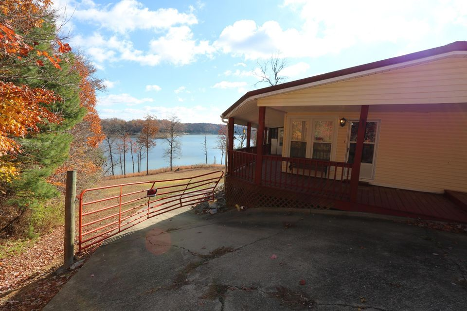 Additional photo for property listing at 114 Reynolds Road  Bee Spring, Kentucky 42207 United States