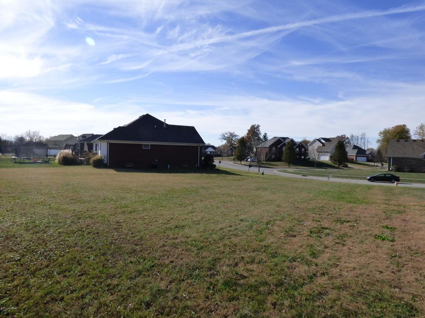 Additional photo for property listing at 6212 Saskatchewan Drive  Louisville, Kentucky 40228 United States