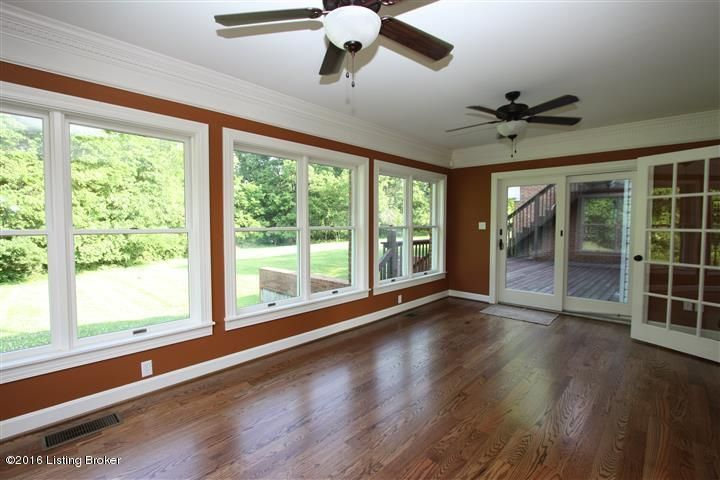 Additional photo for property listing at 5930 Centerwood Court  Crestwood, Kentucky 40014 United States