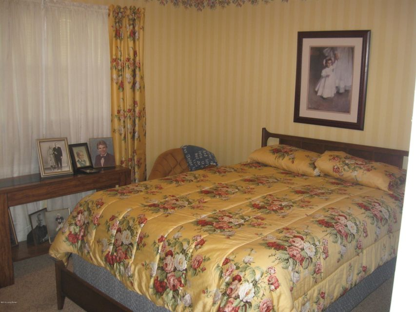 Additional photo for property listing at 8407 Manson Way  Louisville, Kentucky 40258 United States
