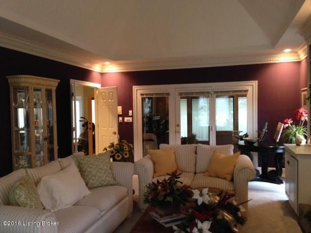 Additional photo for property listing at 1306 Somerhill Place  Louisville, Kentucky 40223 United States