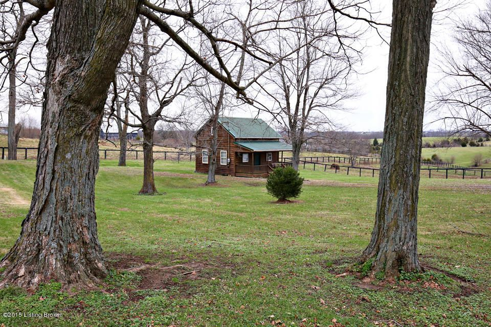 Additional photo for property listing at 10175 Louisville Road  Coxs Creek, Kentucky 40013 United States