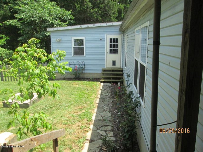 Additional photo for property listing at 1915 Dutchmans creek  Taylorsville, Kentucky 40071 United States