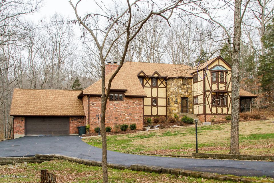 Single Family Home for Sale at 17404 Creek Run Drive Louisville, Kentucky 40245 United States