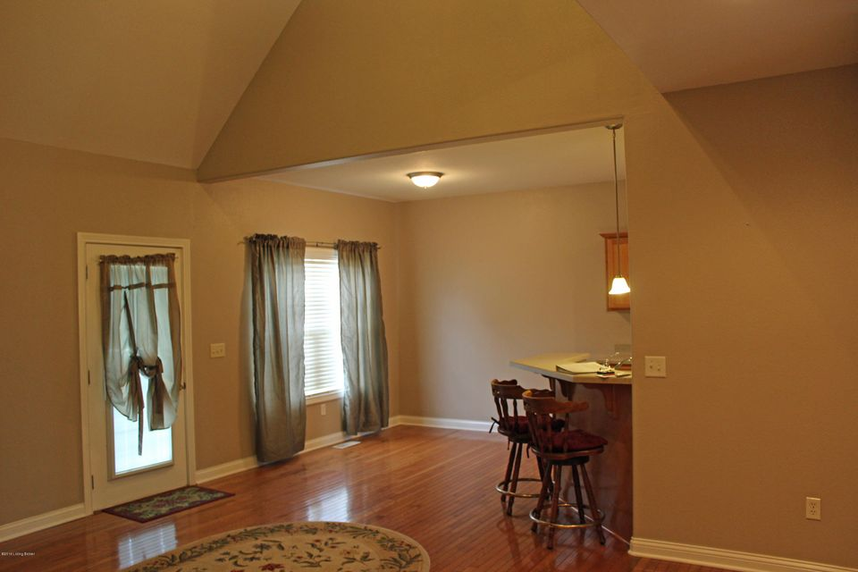 Additional photo for property listing at 102 Shaw Creek Court  Elizabethtown, Kentucky 42701 United States