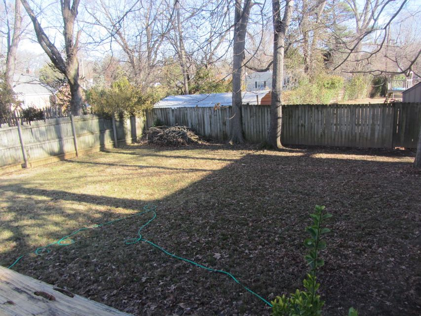 Additional photo for property listing at 8701 Shelbyville Road  Louisville, Kentucky 40222 United States