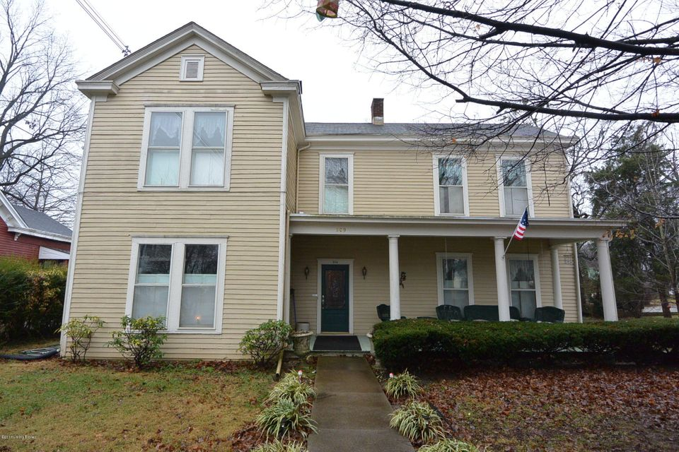 Single Family Home for Sale at 209 E Stephen Foster Avenue Bardstown, Kentucky 40004 United States