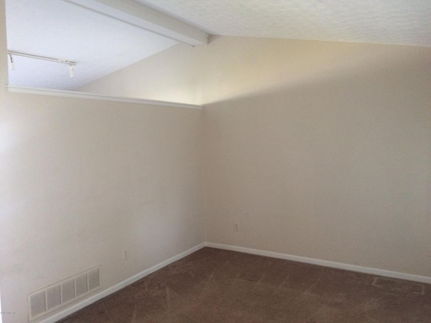 Additional photo for property listing at 12607 Towne Creek Road  Louisville, Kentucky 40243 United States