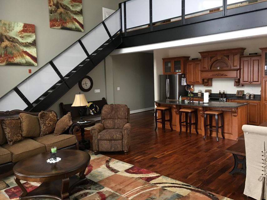 Additional photo for property listing at 400 E Main Street  Louisville, Kentucky 40202 United States