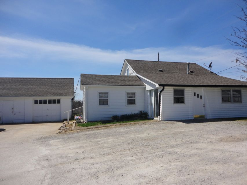 Single Family Home for Sale at 287 S Bardstown Road 287 S Bardstown Road Mount Washington, Kentucky 40047 United States
