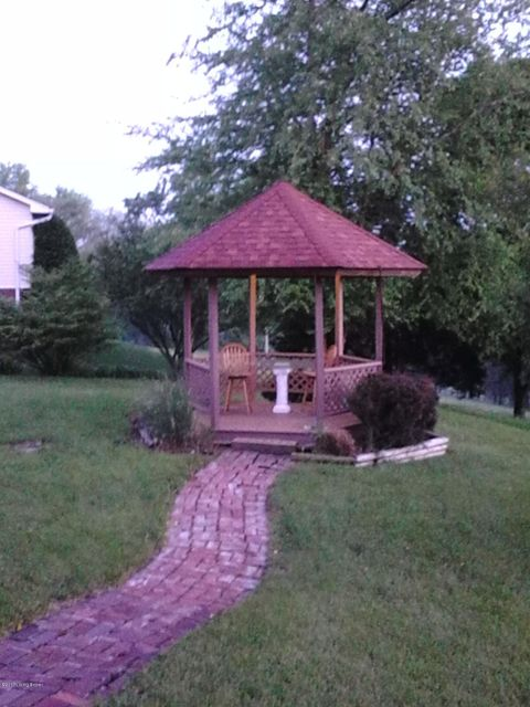 Additional photo for property listing at 5603 Chenoweth Run Road  Louisville, Kentucky 40299 United States