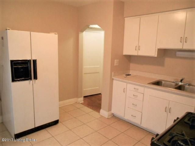Additional photo for property listing at 515 Lone Oak Trail  Louisville, Kentucky 40214 United States