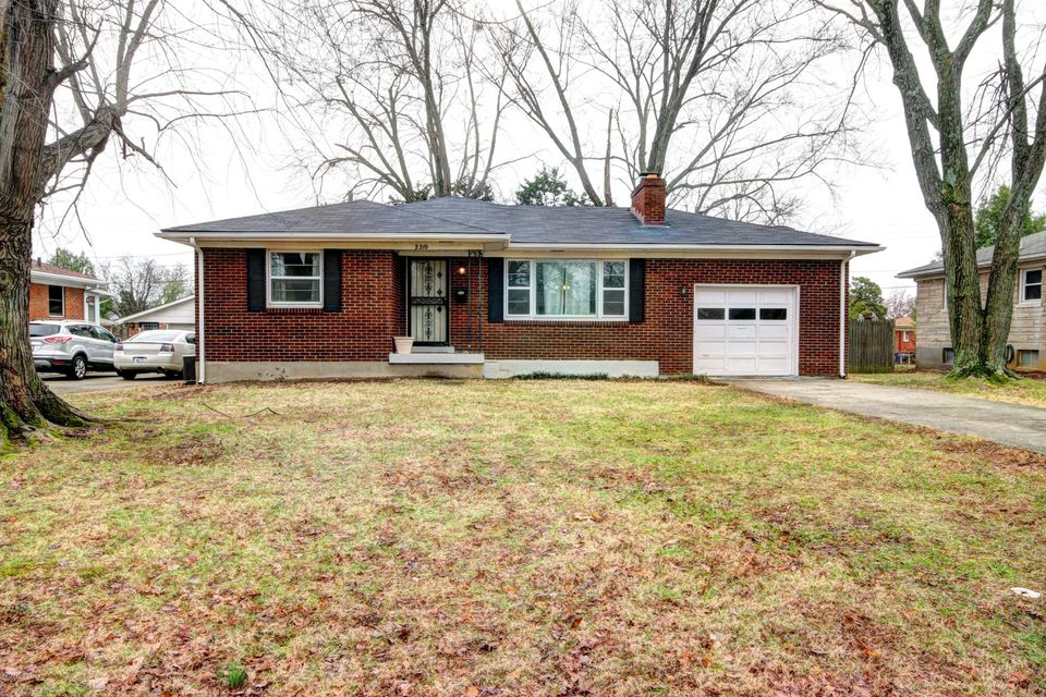 Single Family Home for Sale at 2210 Paris Drive Louisville, Kentucky 40218 United States
