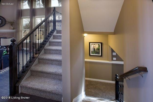 Additional photo for property listing at 5001 Fawn Valley Drive  Louisville, Kentucky 40299 United States