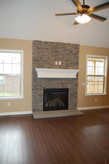 Additional photo for property listing at 1106 Davenport Drive  Louisville, Kentucky 40245 United States