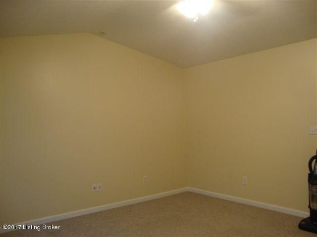 Additional photo for property listing at 112 Jackson Street  Radcliff, Kentucky 40160 United States