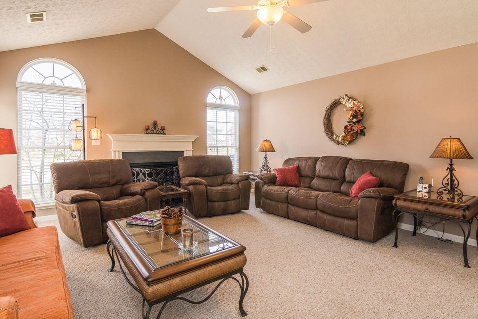 Additional photo for property listing at 10001 Vista Springs Way  Louisville, Kentucky 40291 United States