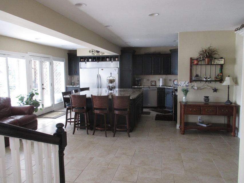 Additional photo for property listing at 1602 Riverside Drive  Prospect, Kentucky 40059 United States
