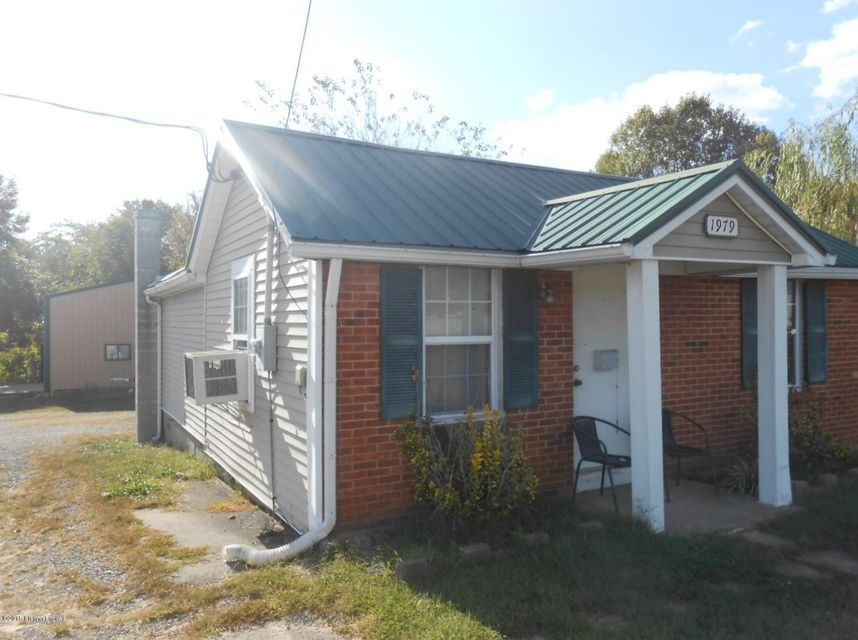 Single Family Home for Sale at 1979 S Dixie Blvd 1979 S Dixie Blvd Radcliff, Kentucky 40160 United States
