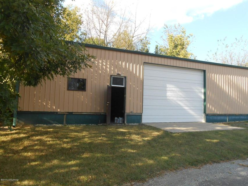 Additional photo for property listing at 1979 S Dixie Blvd 1979 S Dixie Blvd Radcliff, Kentucky 40160 United States