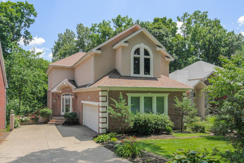 Single Family Home for Sale at 8800 Wooded Trail Court Jeffersontown, Kentucky 40220 United States