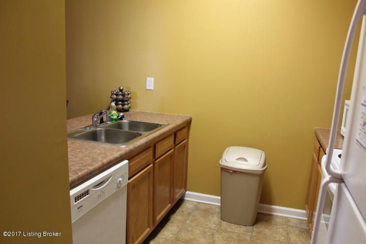 Additional photo for property listing at 1600 Young Court  Louisville, Kentucky 40211 United States