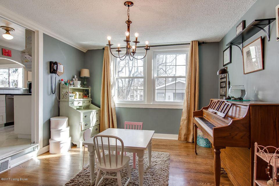 Additional photo for property listing at 3914 Elmwood Avenue  Louisville, Kentucky 40207 United States