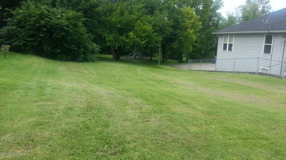 Additional photo for property listing at 314 N 1st  La Grange, Kentucky 40031 United States