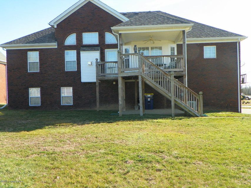 Additional photo for property listing at 11211 Meadow Breeze Lane 11211 Meadow Breeze Lane Louisville, Kentucky 40291 United States