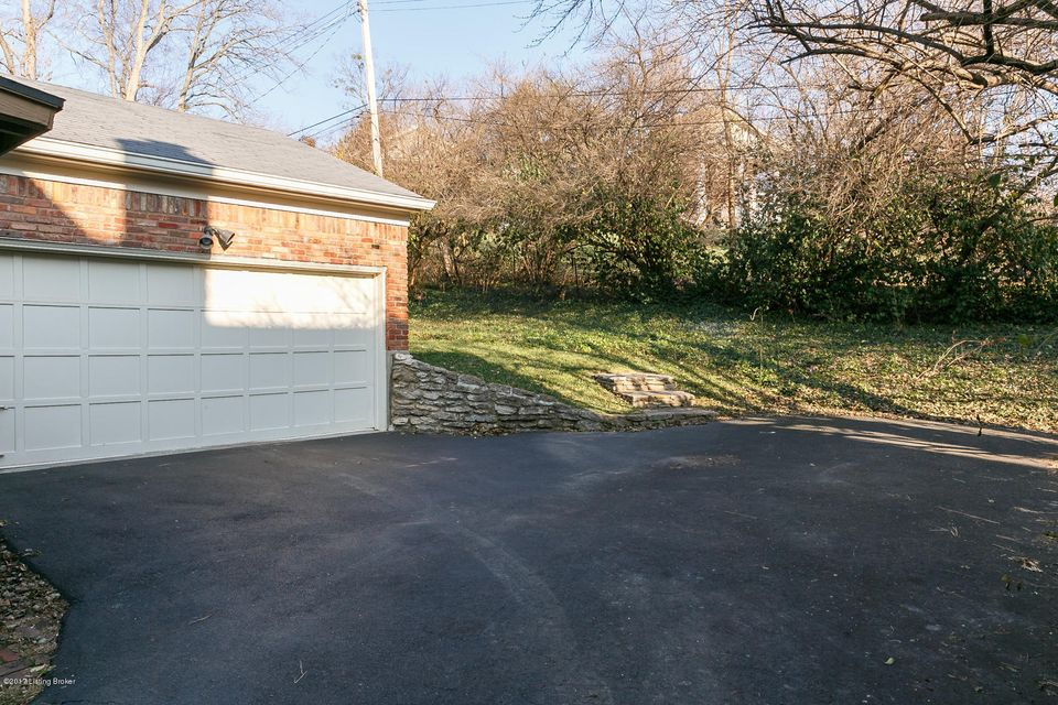 Additional photo for property listing at 589 Garden Drive  Louisville, Kentucky 40206 United States