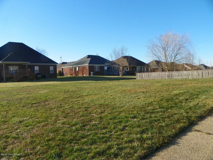Additional photo for property listing at 11211 Meadow Breeze Lane  Louisville, Kentucky 40291 United States